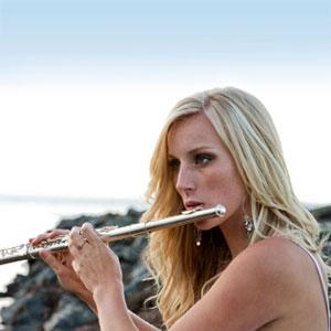Die Dame spielt Flöte