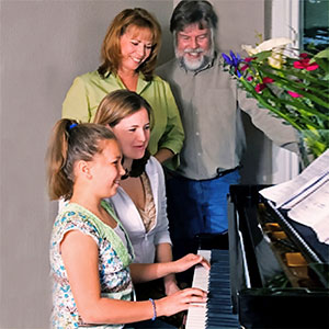 Klavier spielen zu Hause