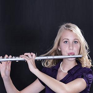 Die Dame lernt die Flöte