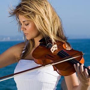 Fräulein spielt Violine Geige